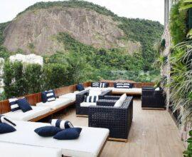 Use e abuse das almofadas na hora de compor a decoração da área externa. Foto: habitissimo.com