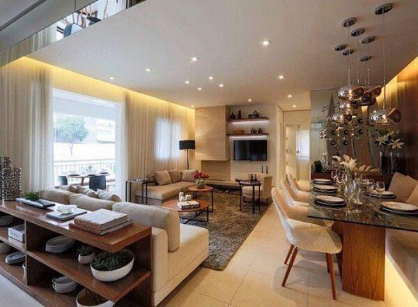 Ambiente integrado com sala de estar e canto alemão moderno. Fonte: Claudia Albertini
