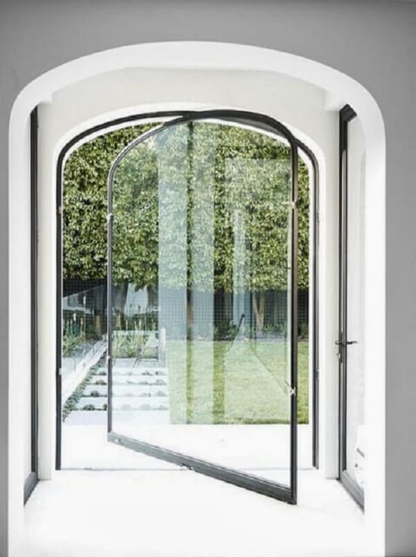Aposte em uma porta de vidro para sala diferenciada. Fonte: The Loop