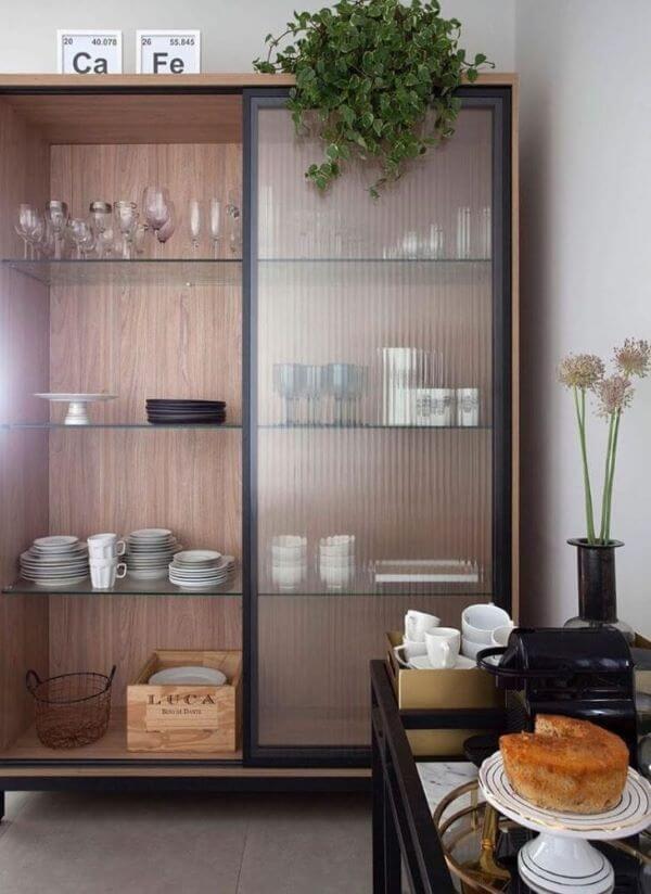 Armário de vidro canelado para cozinha com café da manhã