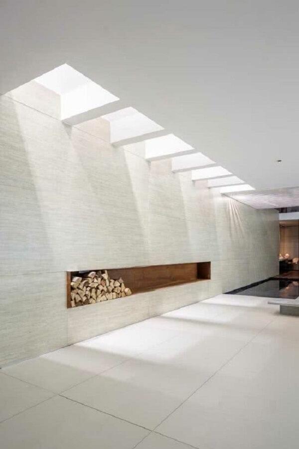 Arquitetura moderna com pergolado de concreto com pintura branca. Fonte: Christos Drazos Photography