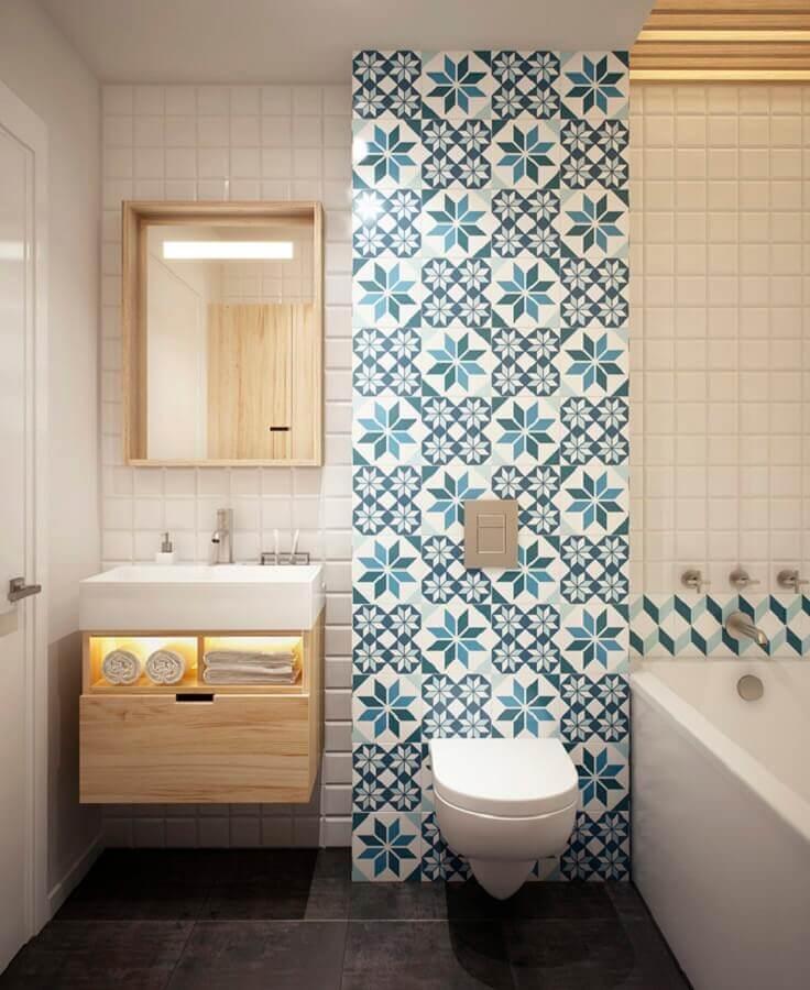 Azulejo antigo para decoração de banheiro bonito com gabinete de madeira pequeno Foto Archidea