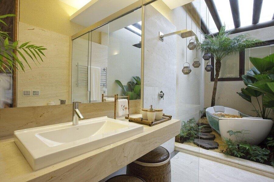 Banheira de imersão em jardim de inverno para decoração de banheiro bonito Foto Eduarda Correa