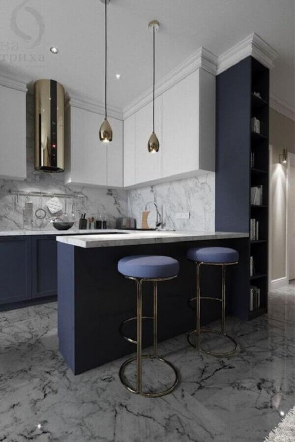 Banqueta estofada para decoração de luxo de sala e cozinha americana Foto Porus Studio