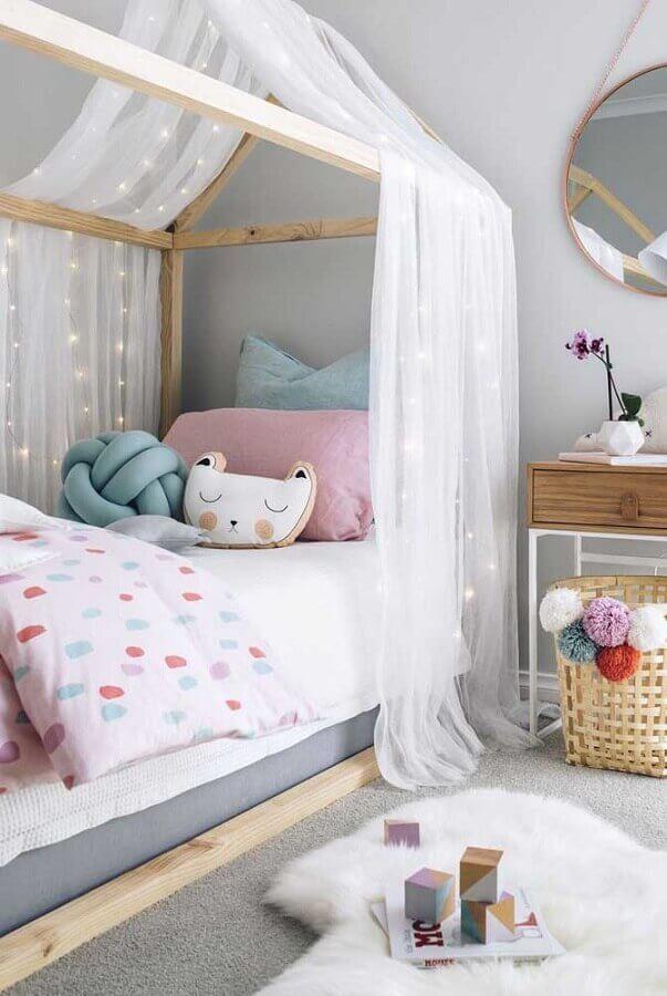Cama infantil com dossel para decoração de quarto cinza lúdico Foto Decor Facil