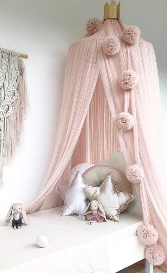 Cama infantil com dossel para decoração de quarto de menina