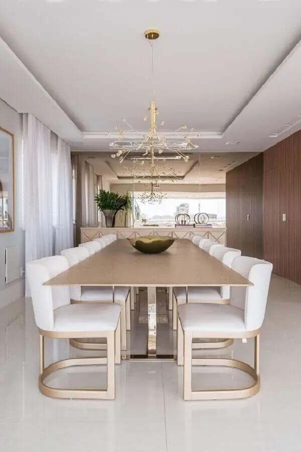 Dê preferência por modelos confortáveis de cadeiras para mesa de jantar. Fonte: Casa de Valentina