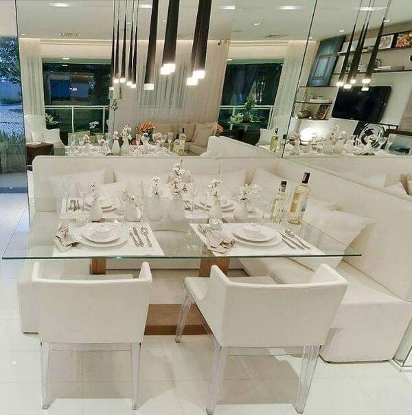 Decoração clean para canto alemão moderno com mesa de vidro. Fonte: Meu Apê 114