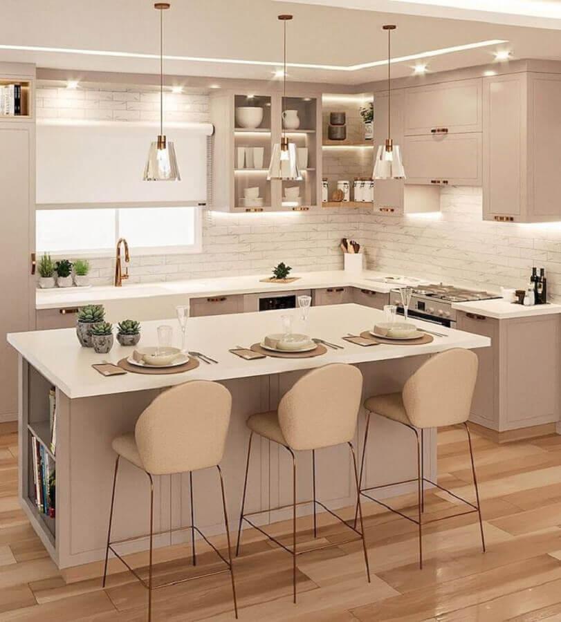 Decoração em cores claras para sala e cozinha americana com ilha Foto Samira Mioto Interiores