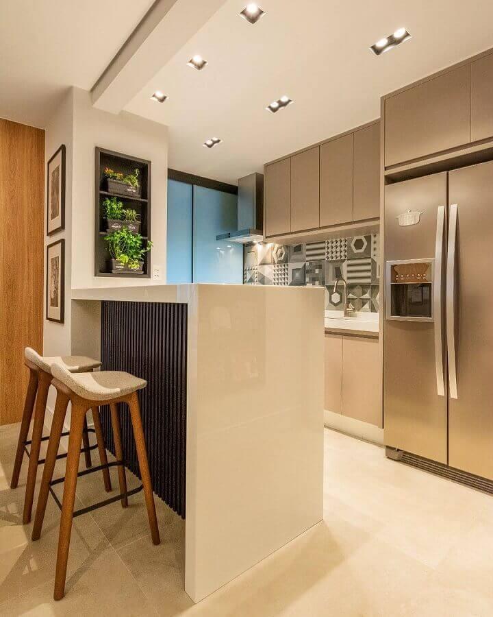 Decoração em cores neutras para sala e cozinha americana pequena Foto Marina Dal Molin Interiores