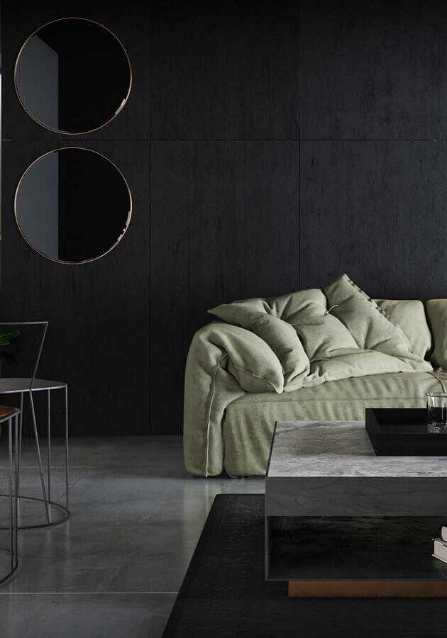 Decoração moderna com espelho redondo na sala preta  Foto Behance