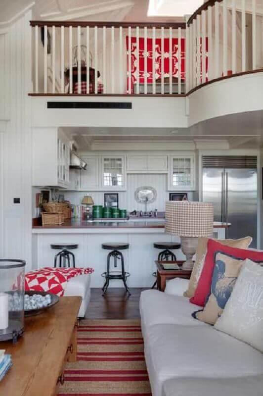 Decoração simples com banqueta baixa para sala e cozinha americana Foto Houzz