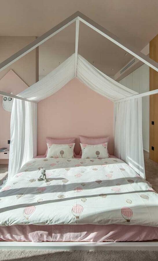 Dossel com mosquiteiro para decoração de quarto feminino branco e rosa Foto As Arquitetas