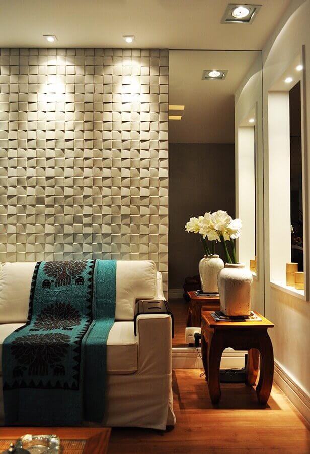 Espelho na sala de estar moderna decorada com revestimento 3D Foto Houzz