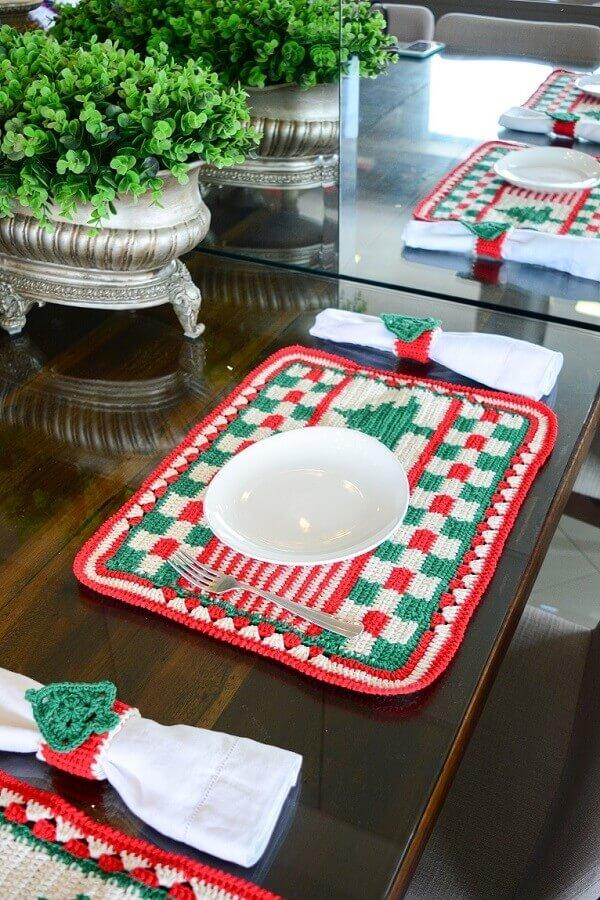 Mesa posta decorada com mesa posta natalina Foto Circulo