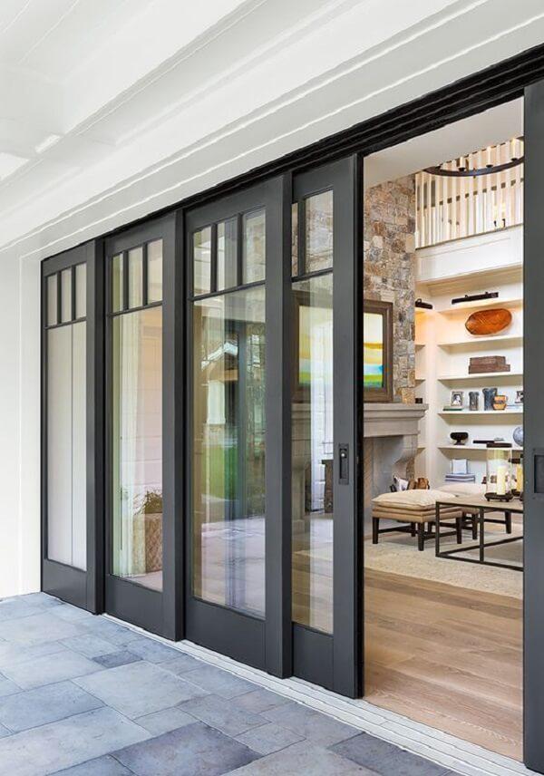 Modelo de porta de correr de vidro para sala. Fonte: Arkpad