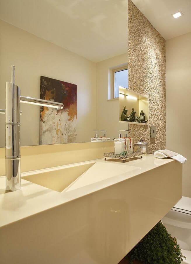 Nicho embutido para decoração de banheiro bonito em cores neutras Foto RBP Arquitetura e Interiores