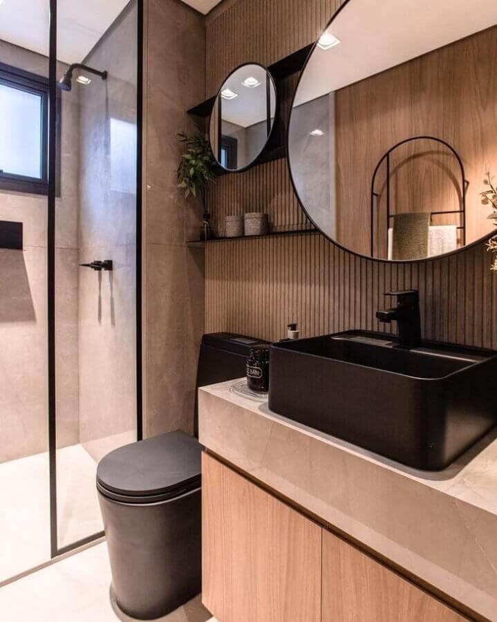 Painel ripado para banheiro bonito e moderno decorado com parede de cimento queimado na área do box Foto Claudia Albertini