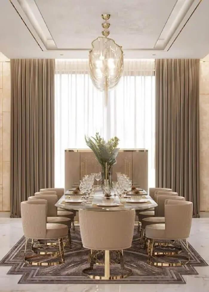 Poltrona para mesa de jantar luxuosa. Fonte: Casa de Irene