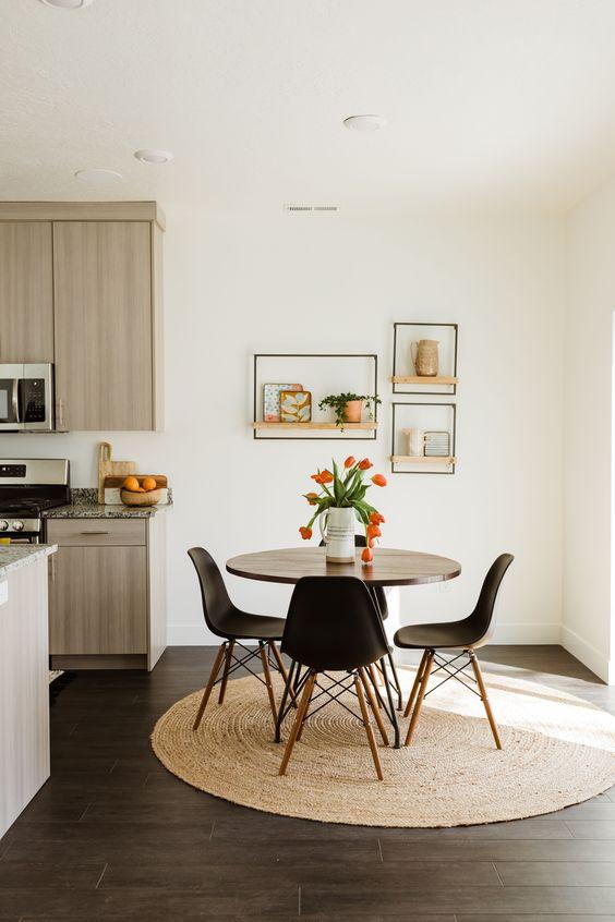 Sala com mesa eiffel pequena