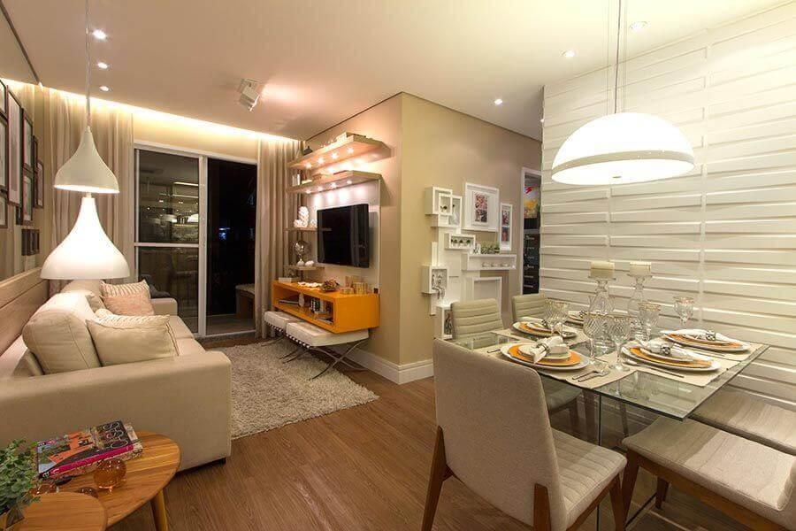 Sala de estar e jantar integradas pequenas decoradas em cores claras com revestimento 3D Foto Habitissimo