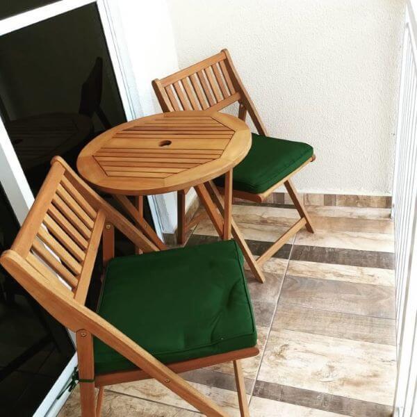 Conjunto de cadeira para sacada com estofado verde