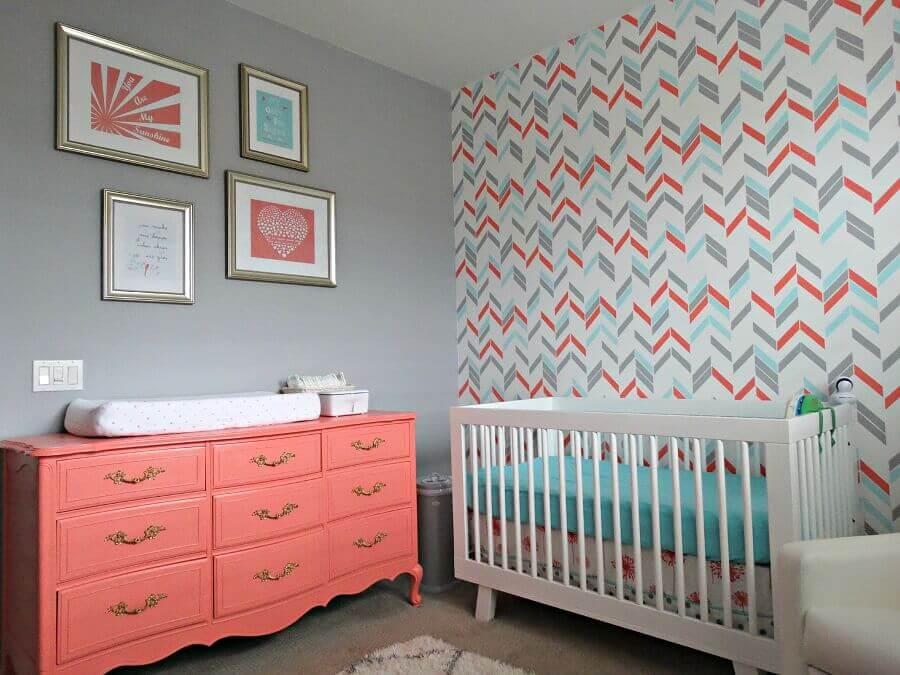 Decoração com cômoda gaveteiro para quarto de bebê cinza Foto DeKorMyHome