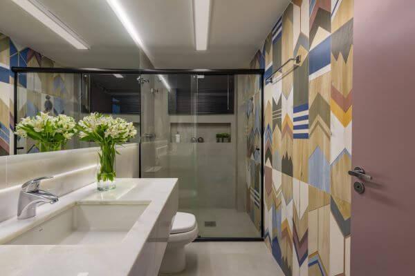 Decoração moderna com nicho de porcelanato na parede