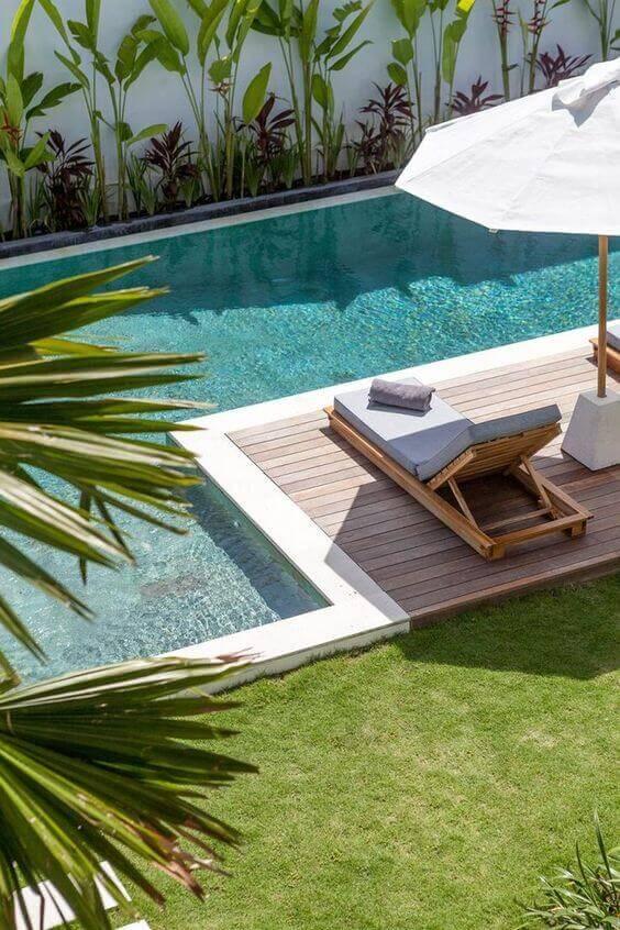 Guarda sol para piscina grande e moderna