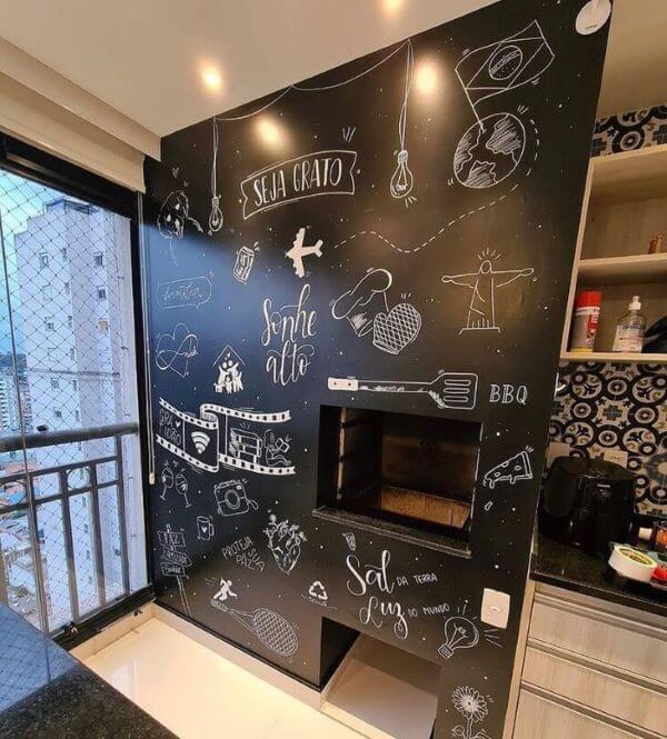 Lettering na parede da churrasqueira gourmet