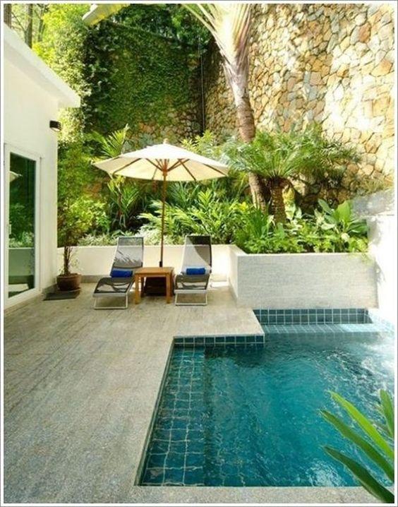 Pastilhas de vidro para quintal com piscina